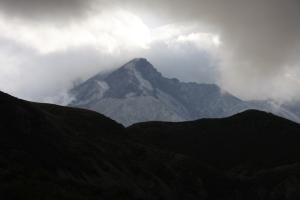 Der Mt St Helens umringt von Wolken