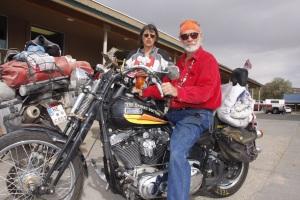 Hier im Westen gibt es skurrile Typen - Der Desert Doctor - die einzige Motorradwerkstatt in 200 Meilen Umkreis