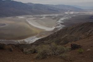 Da unten ist Badwater, der tiefste Punkt der USA (-86m) und wir kommen nicht hin.