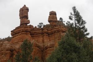 Red Canyon mit 2 Türmchen, die wohl im Bryce zu hunderten zu sehen sein müssen.