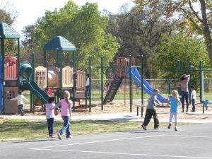 der Schulhof der Orchard Elementary School