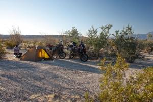 unsichtbar wild campen in der Mitte von Nirgendwo